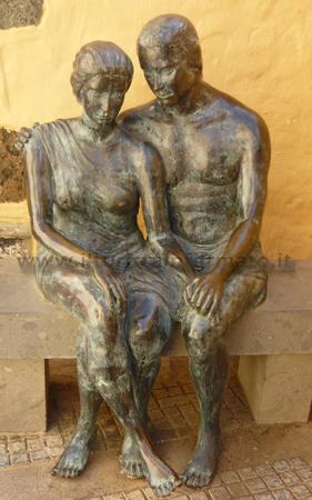 Aguimes statua innamorati
