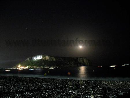 Isola di Dino veduta di notte