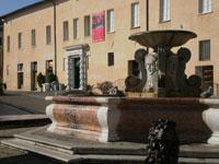 la Fontana dei leoni a Senigallia