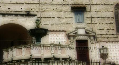 Fontana maggiore e Duomo - Perugia