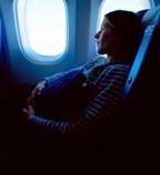 Donne in gravidanza e aereo: cosa chiedono le compagnie aeree