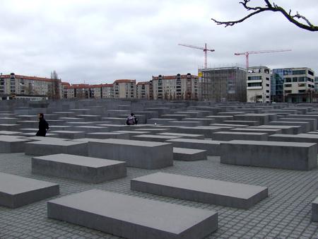 Monumento agli ebrei - Denkmal für die ermordeten Juden Europas