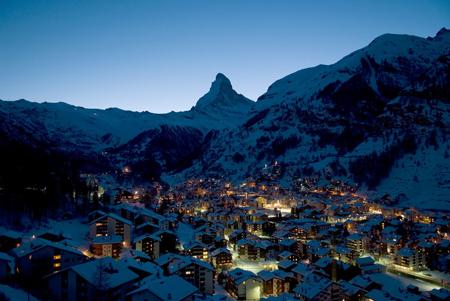Panorama notturno di Zermatt