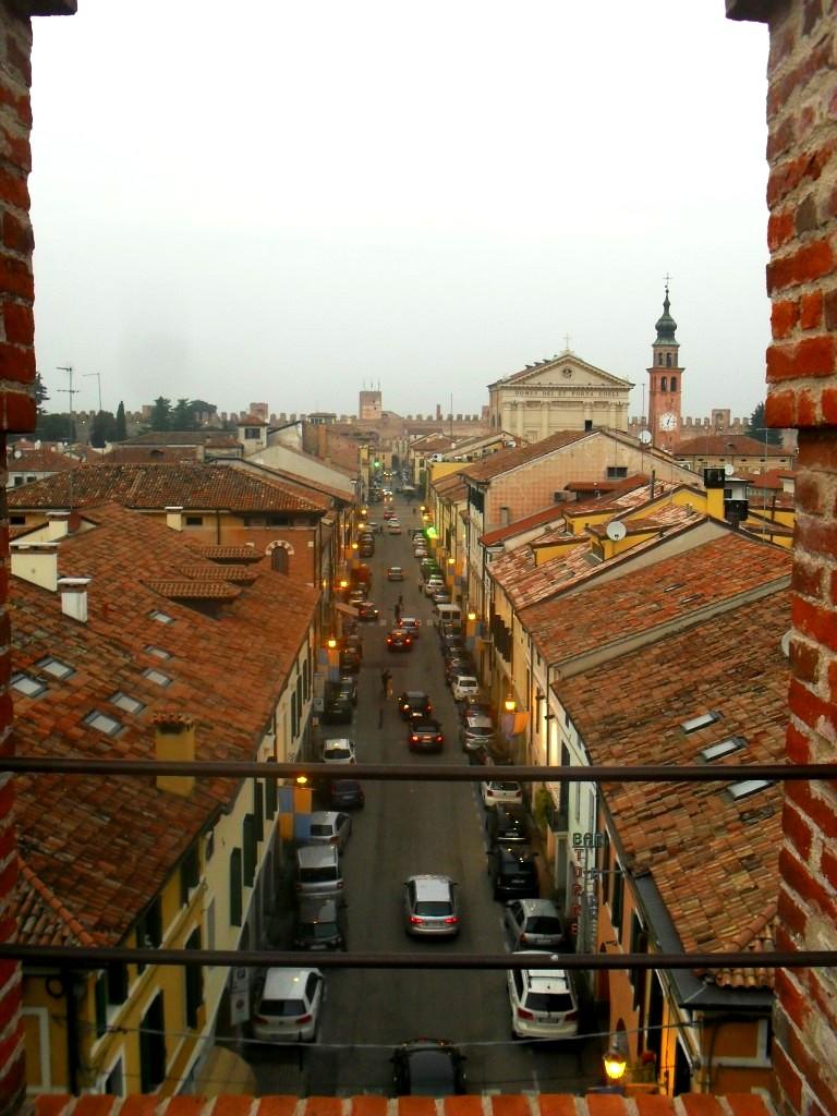 Vista sulla città dal camminamento di ronda