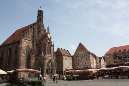 Norimberga Hauptmarkt (Piazza del mercato)