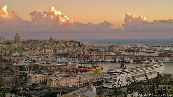 Porto di Genova - foto di Claudio Calamati