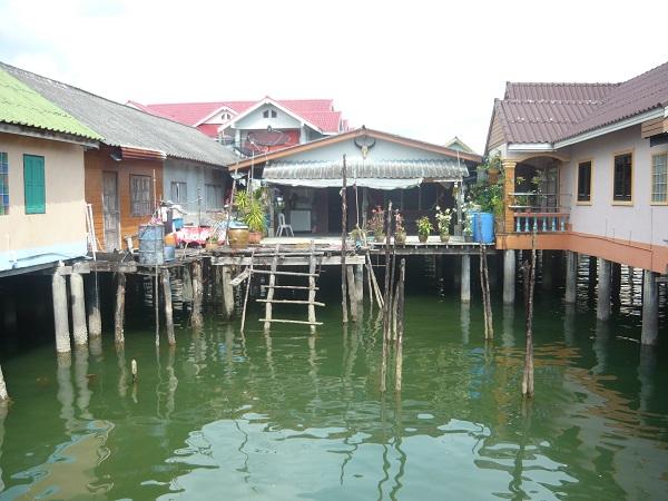 Thailandia palafitte