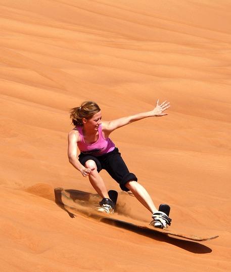 Vacanze a Dubai - snowboard nel deserto
