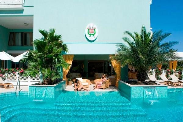 Hotel 4 stelle a Bibione - Hotel Montecarlo Piscina