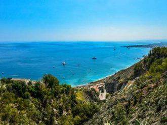 Le Migliori Spiagge di Taormina da Visitare la Prossima Estate